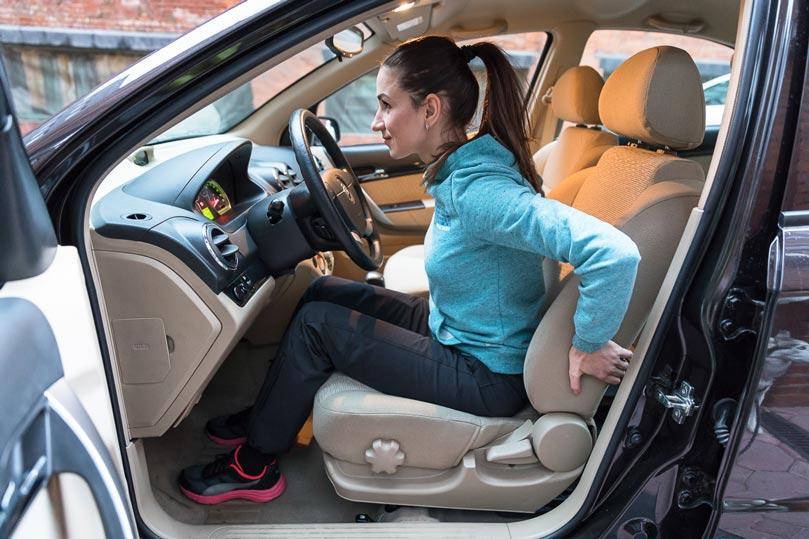 Правильное положение тела в автомобиле